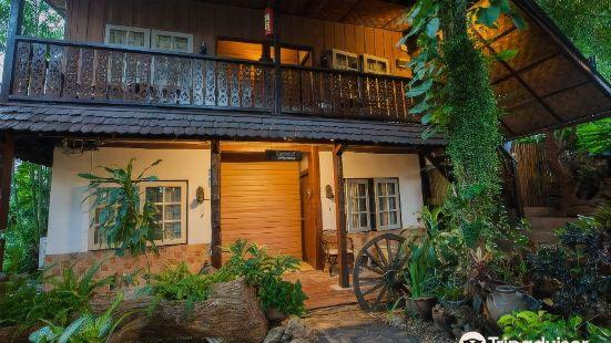 Mountain View GuesthouseChiangmai