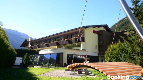 Hotel Rovanada Wellness & BergNatur
