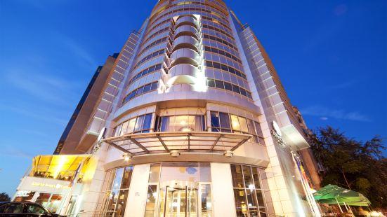 布加勒斯特烏尼裏廣場希爾頓逸林酒店