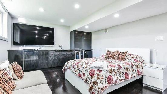 Markham Luxurious Home