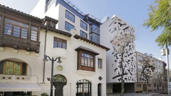 坎布雷拉斯塔里亞酒店