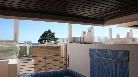 2 Beds Apartment with Private Pool