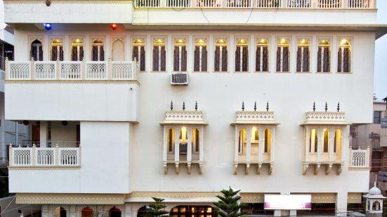 卡爾揚酒店