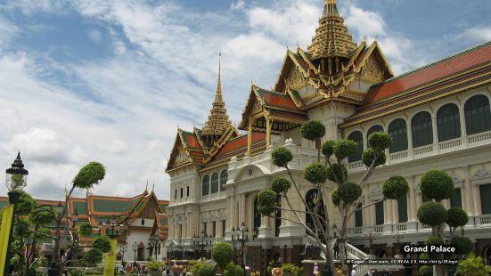 Zen Rooms Bangkok Hub