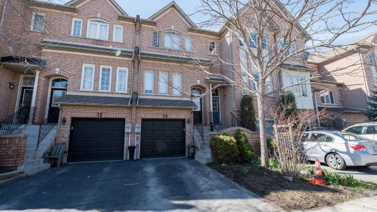 Executive Luxury Waterfront Townhome