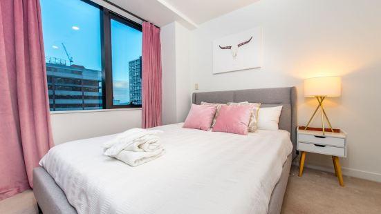 JHT - 2 居公寓風格酒店 - 天空塔對面