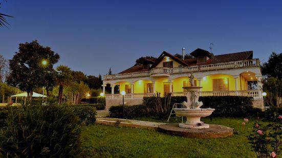 科斯泰拉薩萊諾別墅酒店