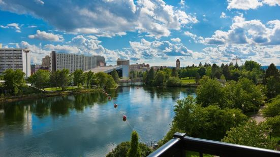 Oxford Suites Downtown Spokane