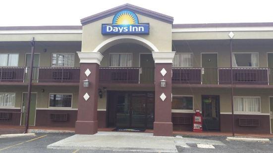戴斯温泉城酒店