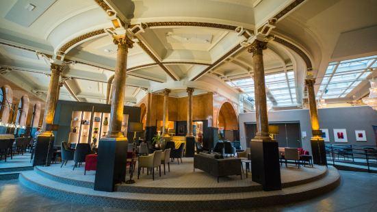 歐普斯十六酒店