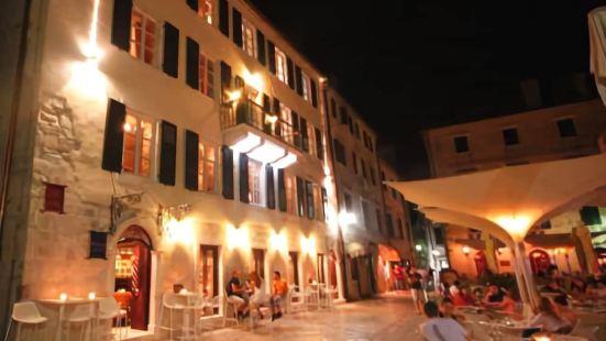 科託爾阿斯託利亞酒店