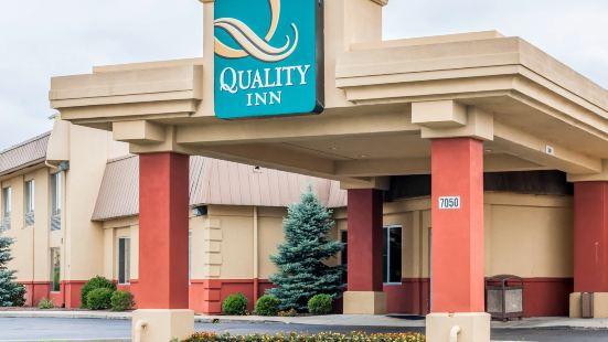 東印第安納波利斯品質套房酒店