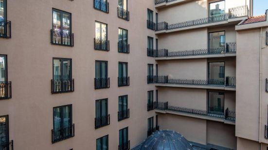 新廣場佩拉酒店