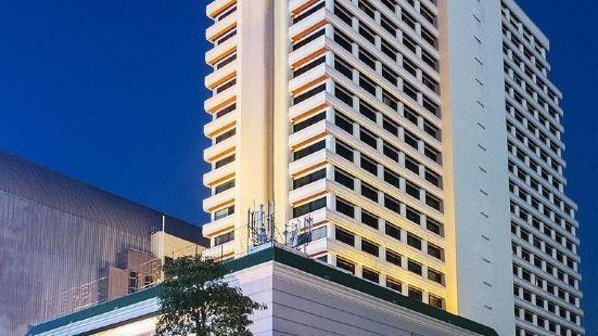 โรงแรมอโนมาแกรนด์