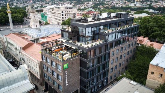 第比利斯中心宜必思尚品酒店