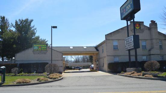 凱霍加福爾斯經濟型汽車旅館