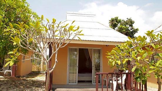 蘇梅島金達海灘小屋
