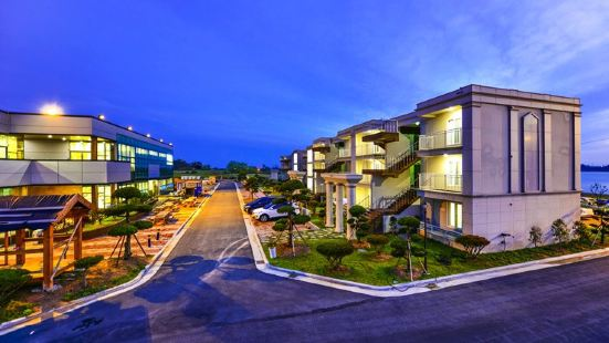 Muan Star Long Beach Resort