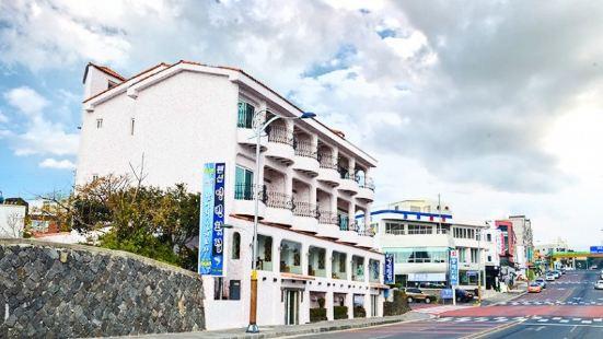 Seoguipo Seaside House Youngbin Pension