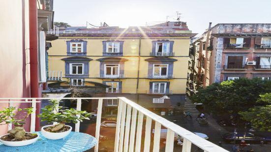納波利斯貝里尼住宿加早餐旅館