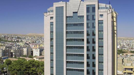 德德曼桑尼烏法酒店