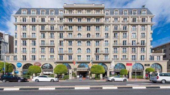 Unit Number 414 Cape Royale Luxury Apartments