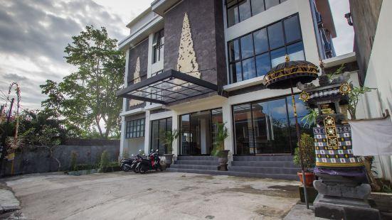 伊凡卡機場旅館