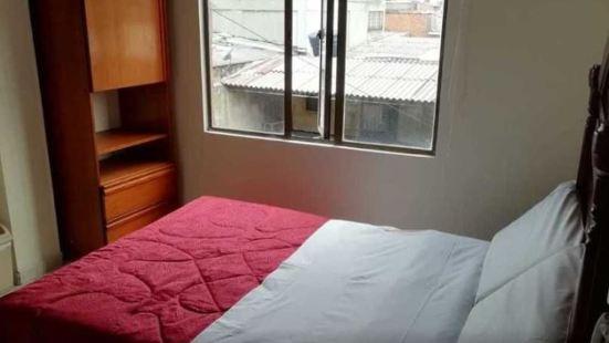 豐塔納爾普拉多青年旅舍