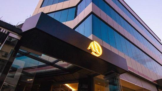 阿爾巴諾波里斯酒店