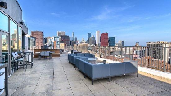 Kasa Chicago South Loop Apartments