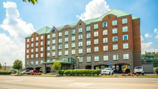 紐波特-辛辛那提河濱舒適全套房酒店