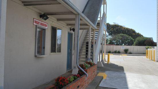 海灘汽車旅館