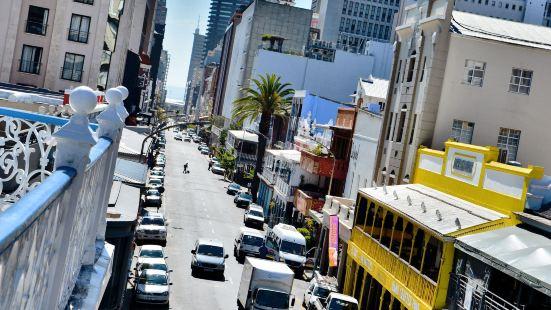城市蜂巢背包客旅館