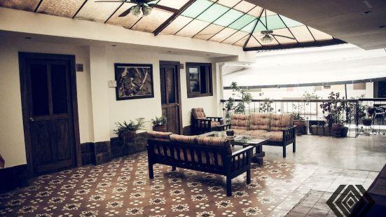 庫斯科奧布里塔斯阿爾馬斯廣場酒店