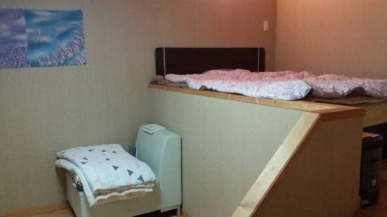 healing民宿家庭房