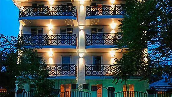 Golubaya Laguna Apartments