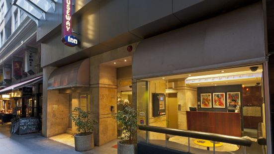 Causeway Inn on The Mall Hotel Melbourne
