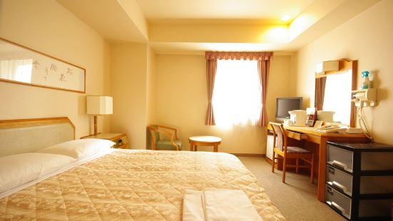 新瀉皇冠山酒店