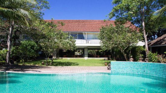拉甲普拉克蘇梅度假酒店