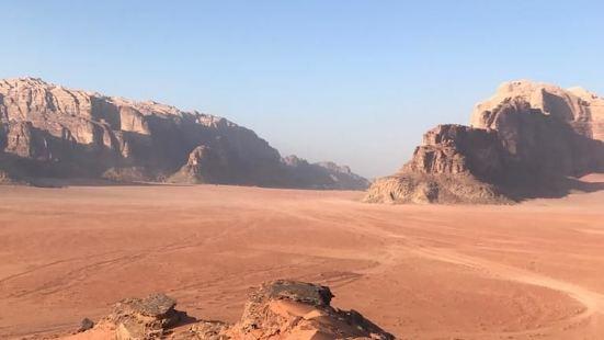 瓦迪拉姆沙漠星星酒店