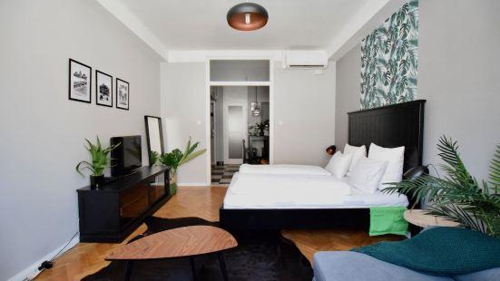 標準公寓 Hi5 酒店 - 雷吉波斯塔 13 號