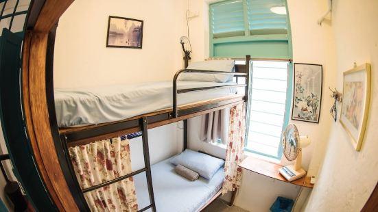 索瓊床與咖啡廳 - 青年旅舍