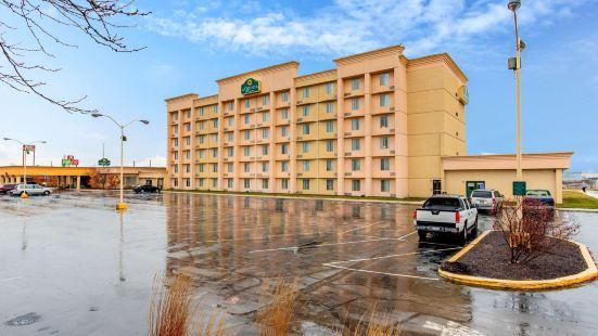 南印第安納波利斯拉昆塔旅館及套房