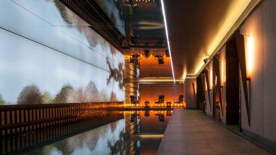 巴黎諾林斯基酒店