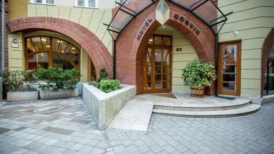 布達佩斯科爾温酒店