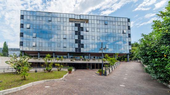索特爾諾曼塔納酒店