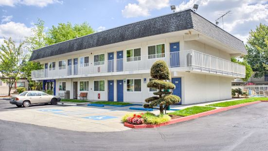 Motel 6-Issaquah, WA - Seattle - East