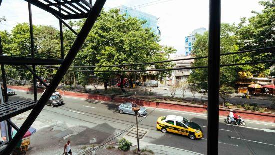 RedDoorz Near Quirino Station