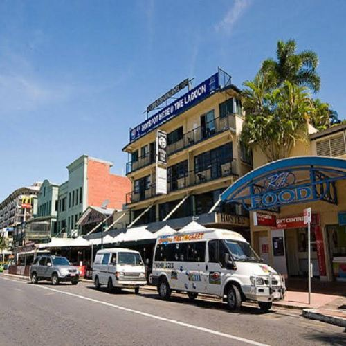 凱恩斯全球村背包客酒店