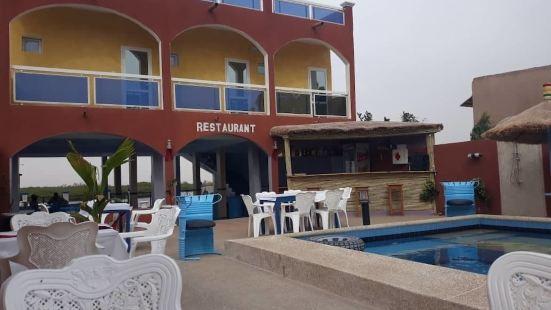 提歐烏拉耶湖酒店